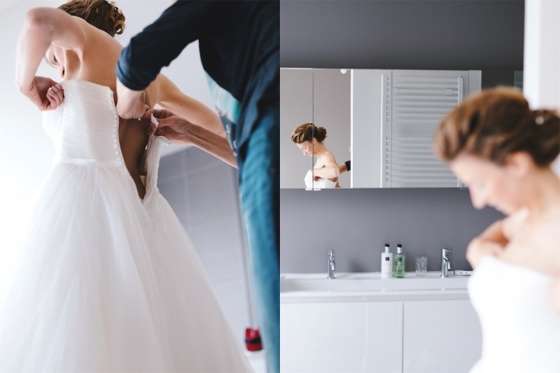 mama help de bruid met haar jurk
