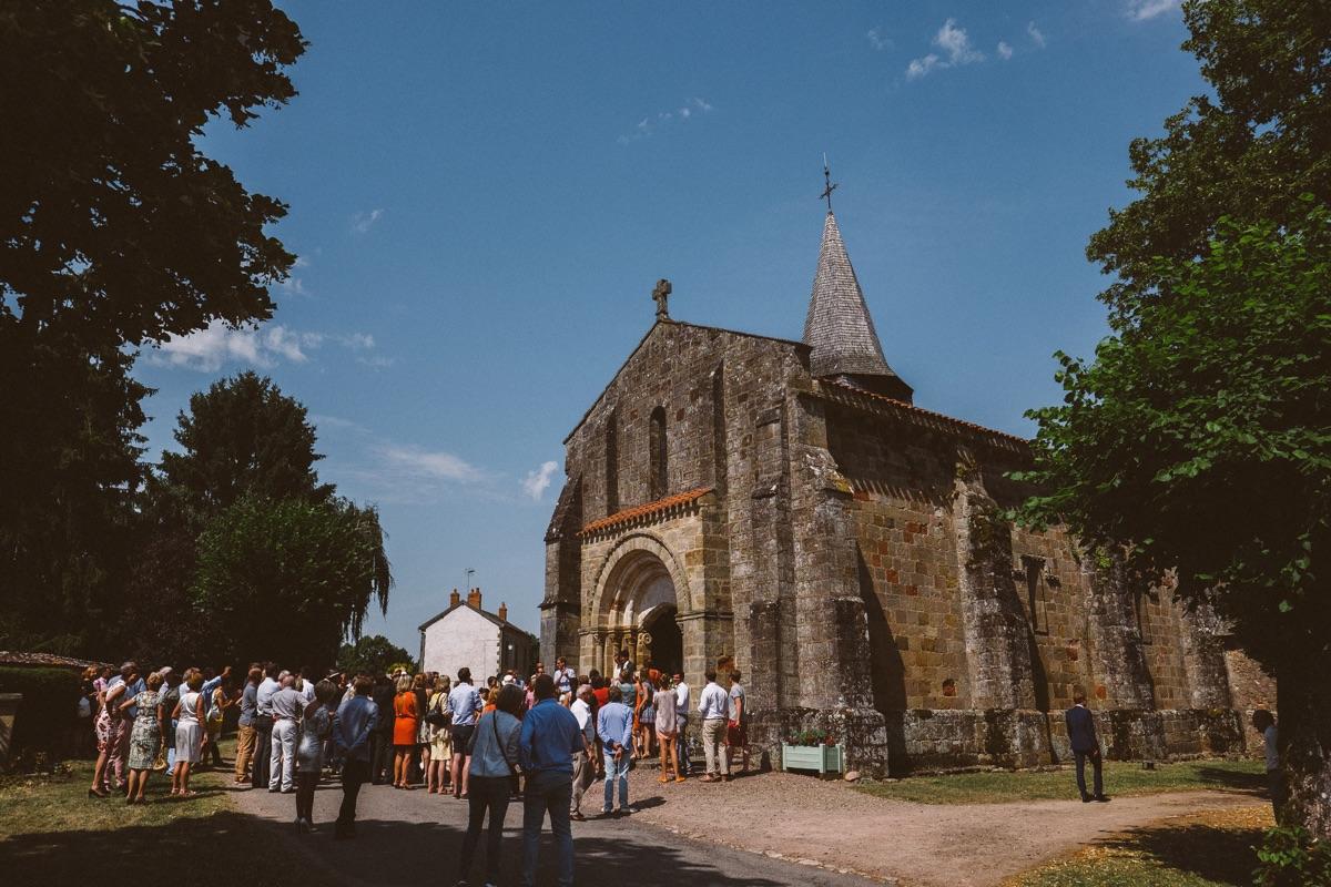 Kerkje in LOUROUX-BOURBONNAIS huwelijk in het buitenland