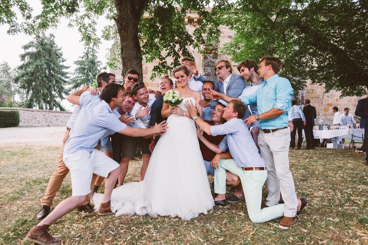 groepsfoto met de bruid
