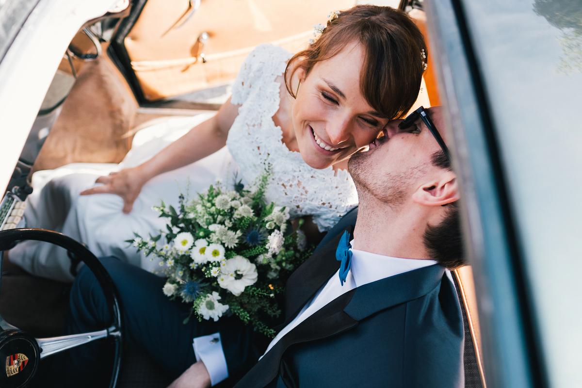 Kusje bruid