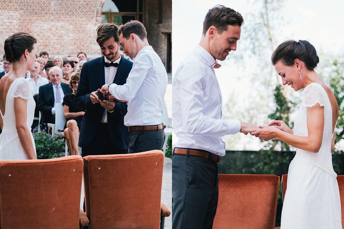 de ringen tijdens de huwelijks Ceremonie