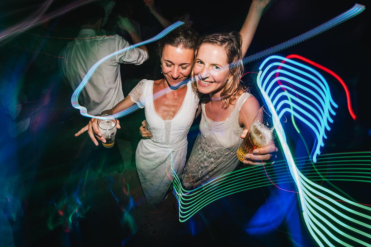 partypictures op een trouwfeest