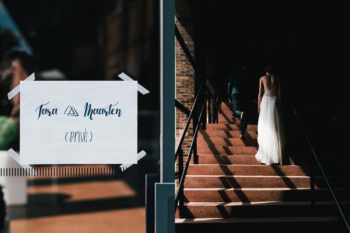 aankomen op de locatie van de vrijzinnige Huwelijks ceremonie