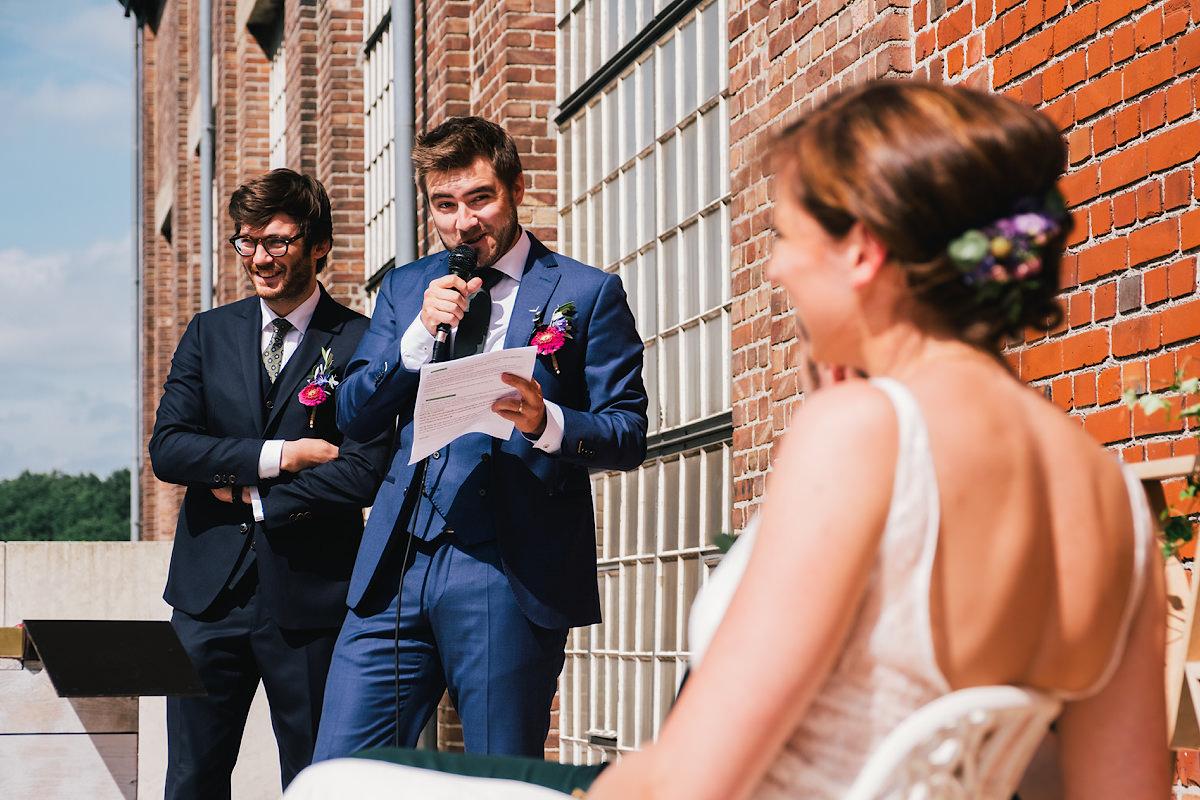 speech tijdens een alternatieve huwelijks ceremonie