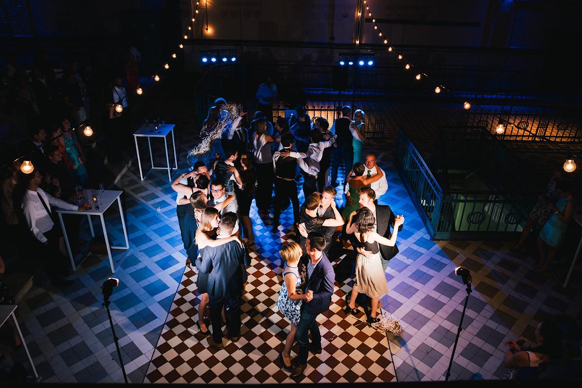 dansvloer op een huwelijksfeest