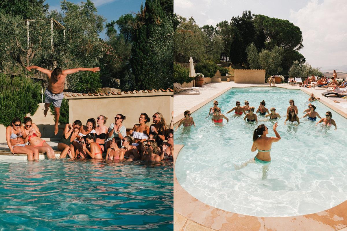 Aquajim in het zwembad tijdens huwelijksfeest in Toscane Italië.