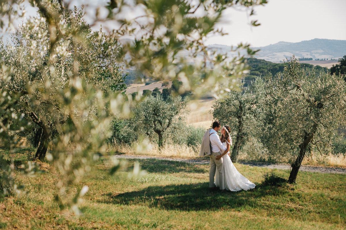 fotoshoot Italië tussen de olijfbomen