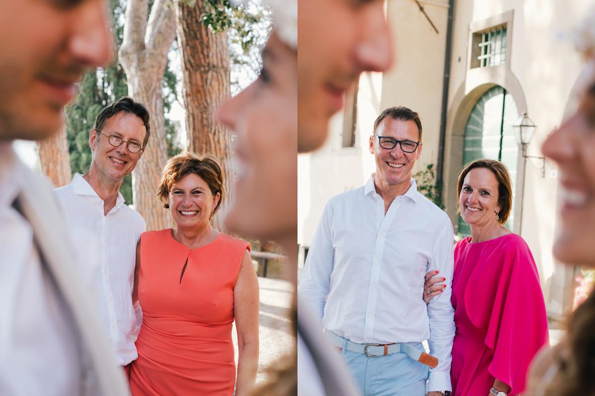 ouders groepsfoto's huwelijksfeest in Italië