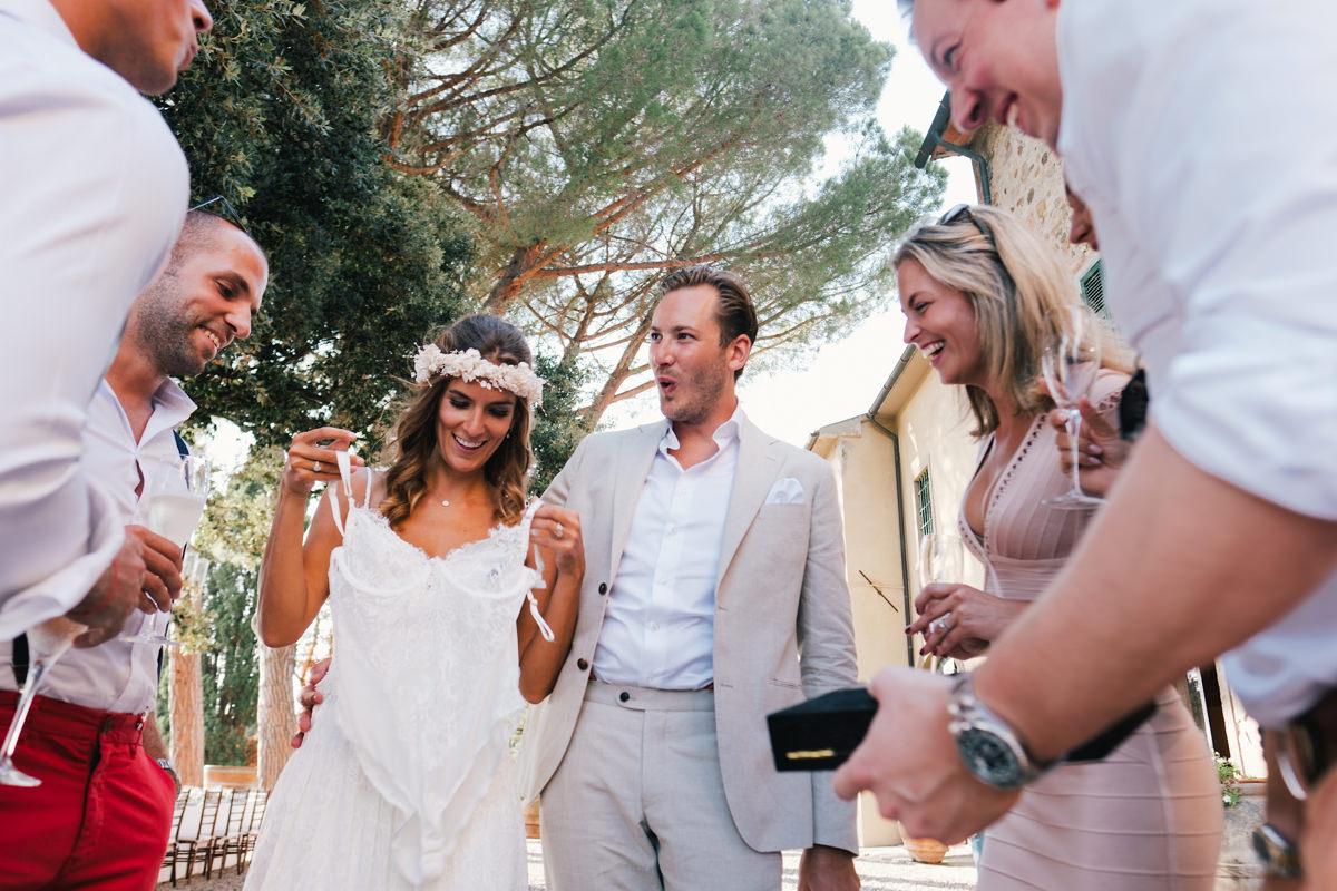 Reactie huwelijkslingerie trouwcadeau